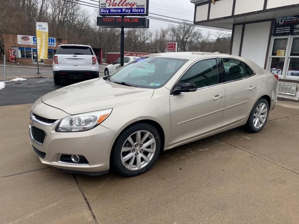 2015 SILVER CHEVROLET MALIBU 2LT (1G11D5SL6FF) with an 2.5L engine, Automatic transmission, located at 503 First Street, Canonsburg, PA, 15317, (724) 745-0566, 40.266006, -80.178413 - Photo #0